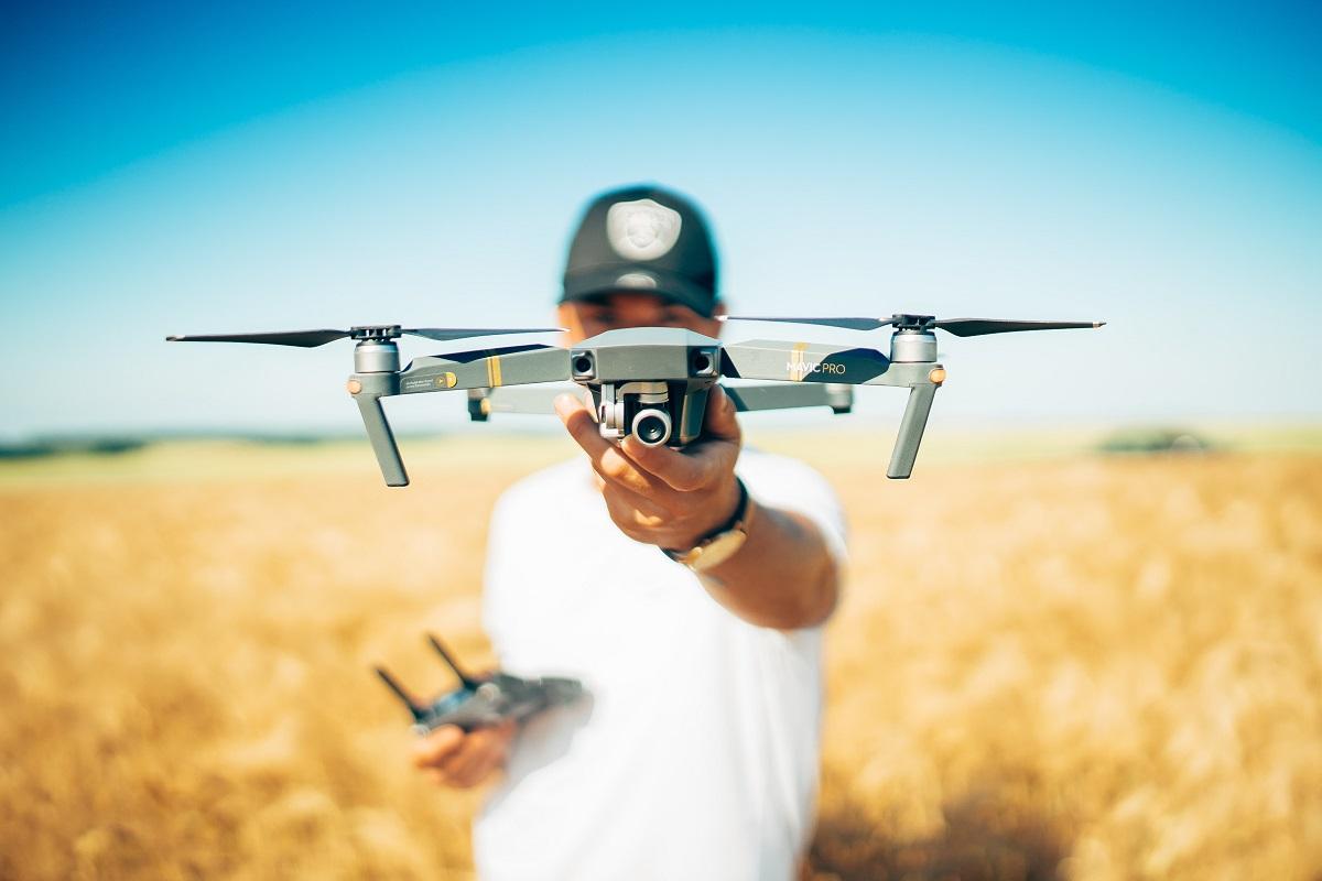 cosa succede se piloti un drone senza patentino
