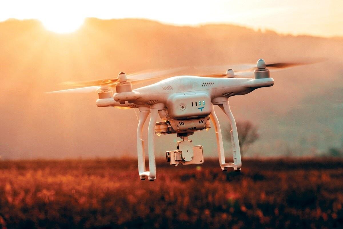 copertina post i droni possono volare di notte
